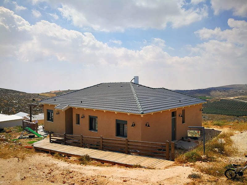 בית חדש לארח בניה