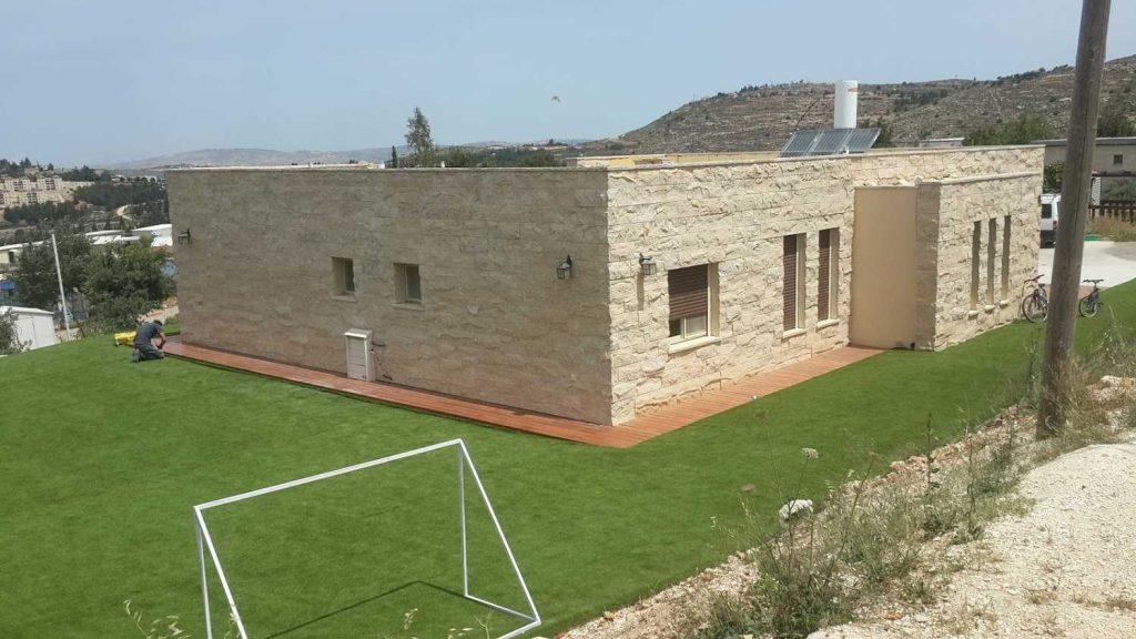 חזית בית אחרי בניה