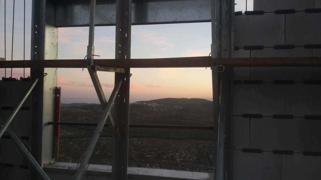 יהיה להם נוף יפה מהחלון, נכון?